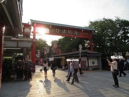 0520 -2- 浅草 (8).JPG