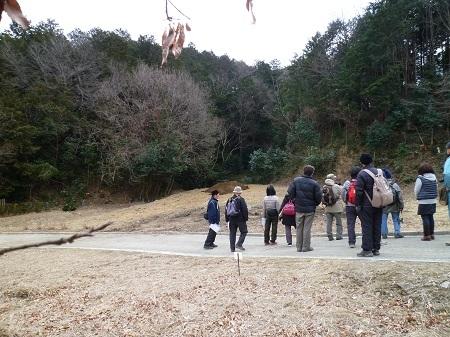 1-フジバカマ等植え付け地視察 (1).JPG